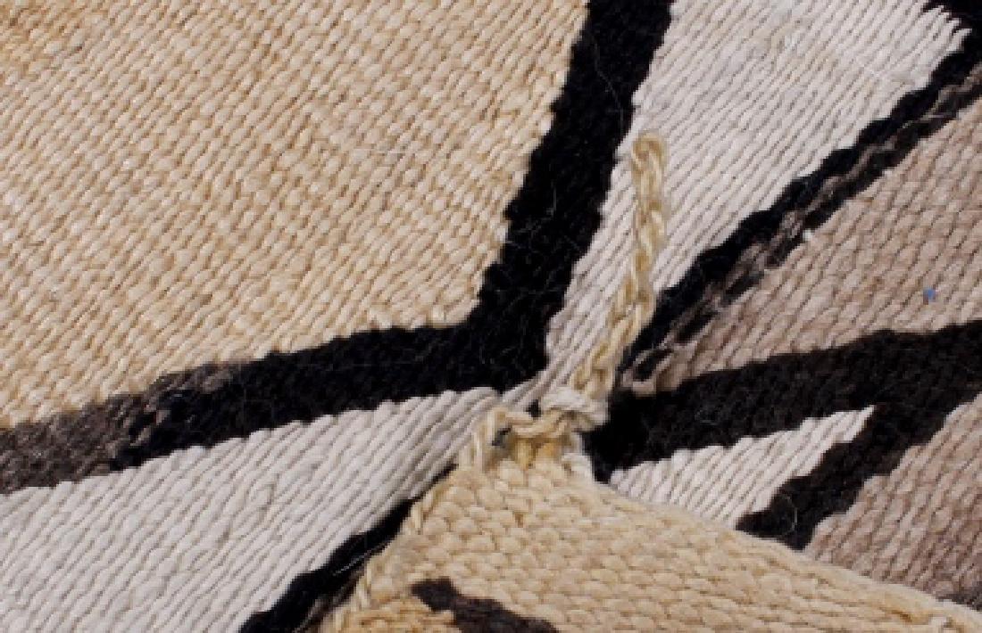 Navajo Two Grey Hills Pattern Wool Rug - 6