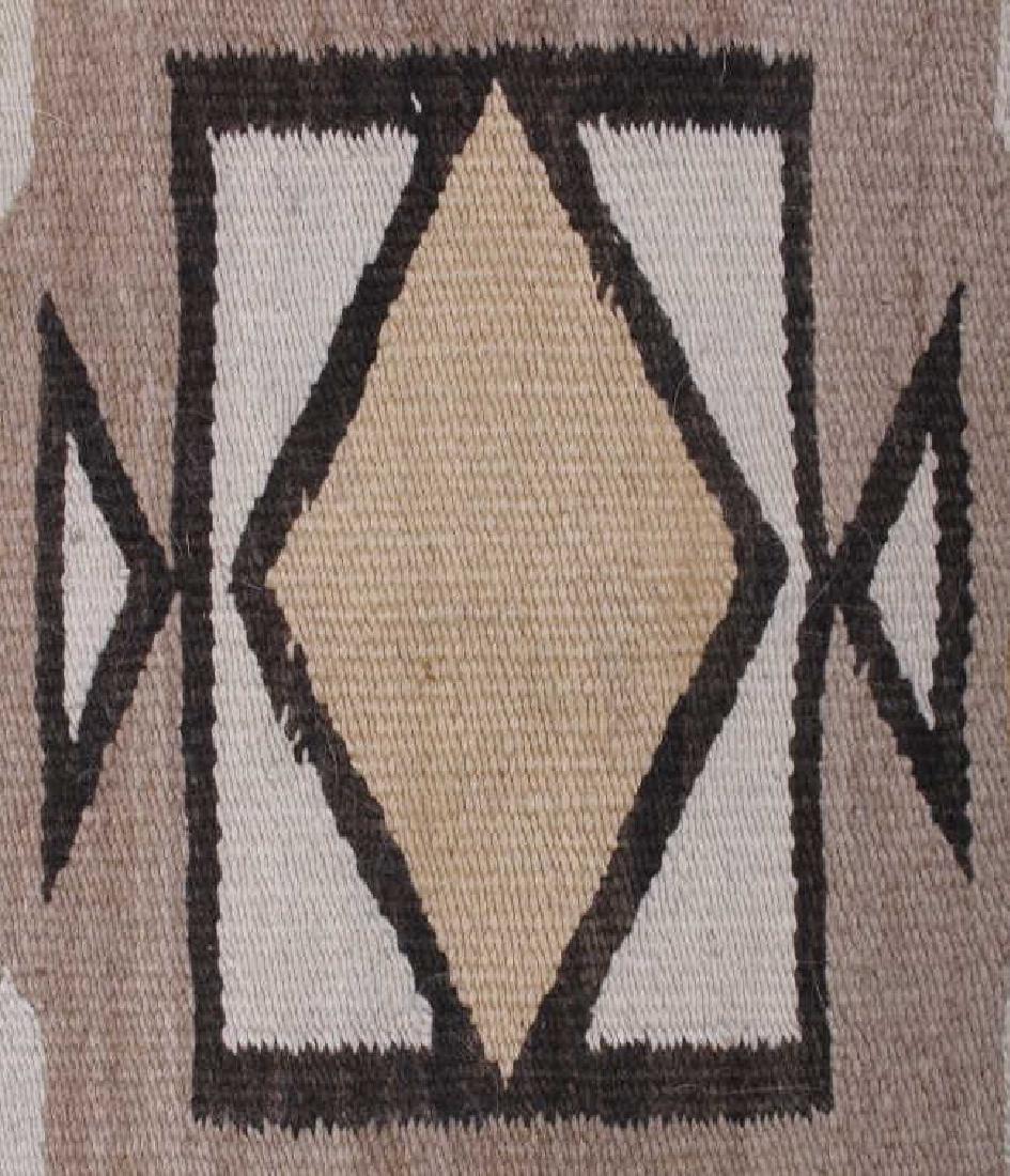 Navajo Two Grey Hills Pattern Wool Rug - 8