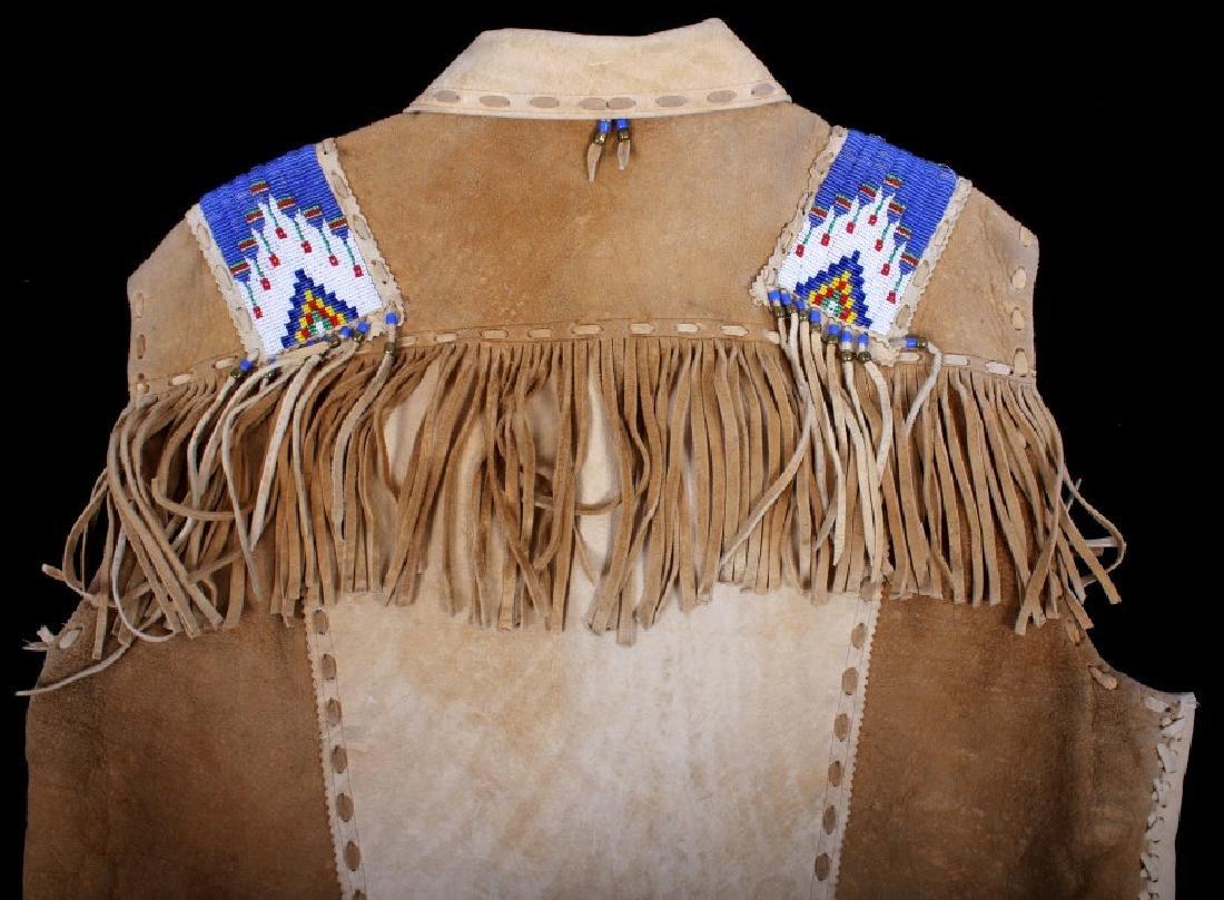 Native American Buckskin Beaded Vest, 20th Century - 12