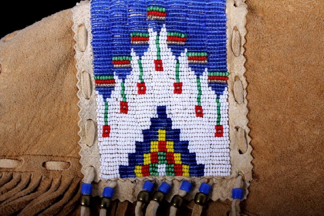 Native American Buckskin Beaded Vest, 20th Century - 13