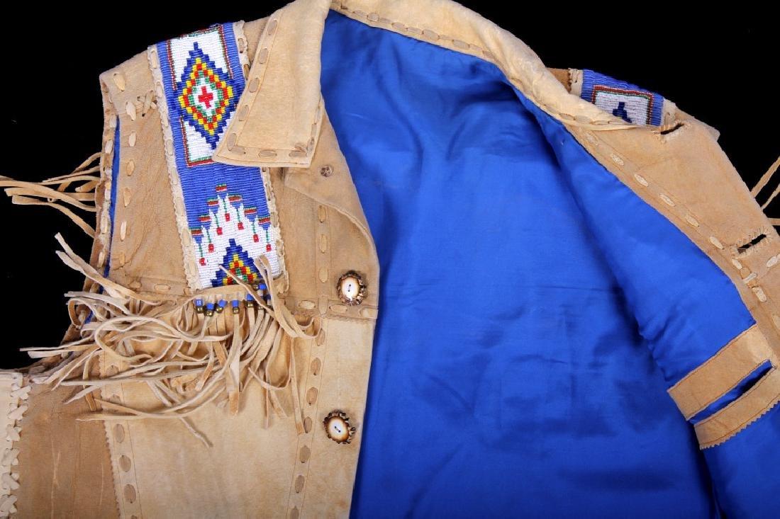 Native American Buckskin Beaded Vest, 20th Century - 16