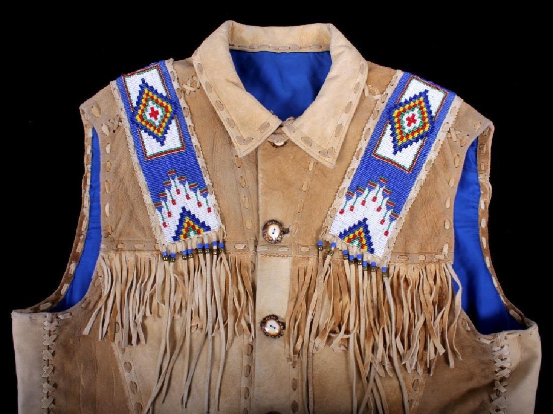 Native American Buckskin Beaded Vest, 20th Century - 6