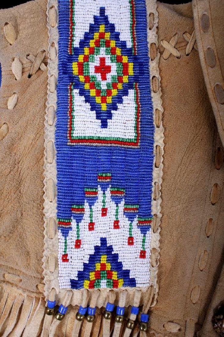 Native American Buckskin Beaded Vest, 20th Century - 8