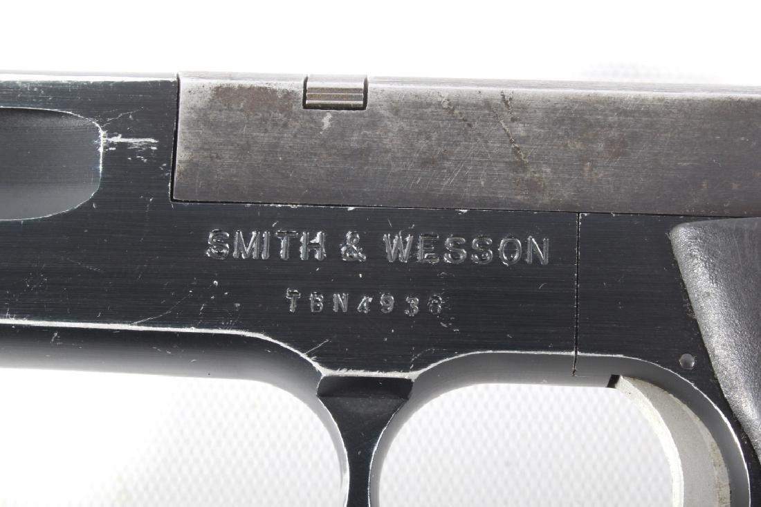 Smith & Wesson Model 422 .22 LR Semi Auto Pistol - 12