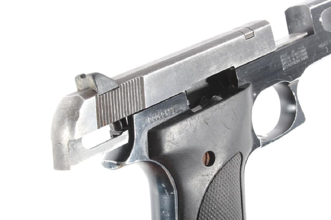Smith & Wesson Model 422 .22 LR Semi Auto Pistol - 16