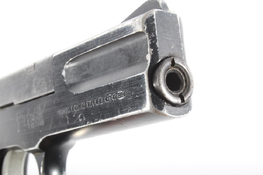 Smith & Wesson Model 422 .22 LR Semi Auto Pistol - 17