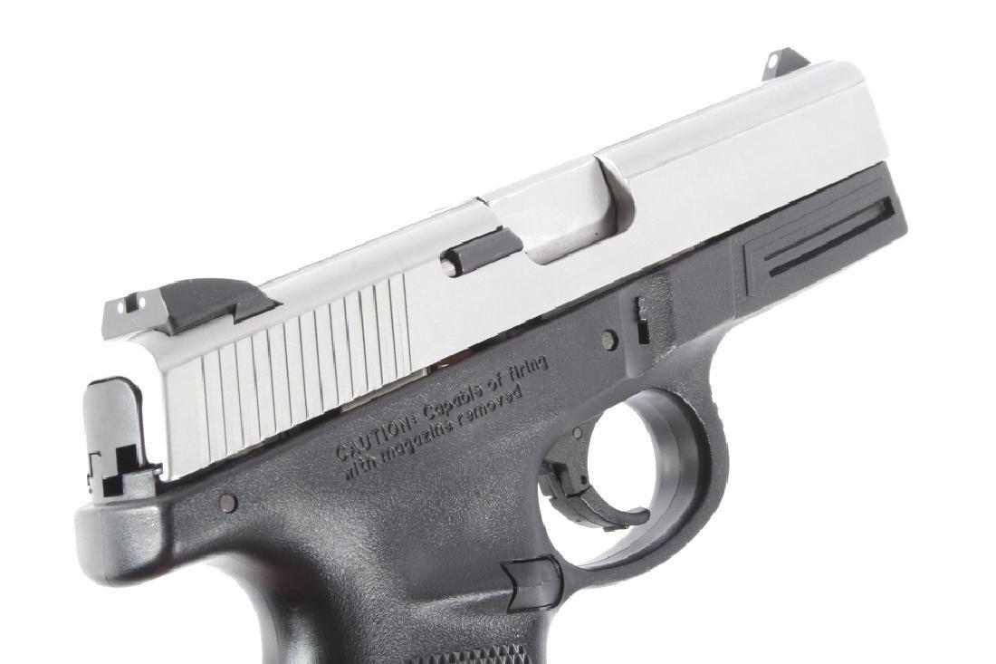Smith & Wesson SW40VE .40S&W Semi-Auto Pistol - 10