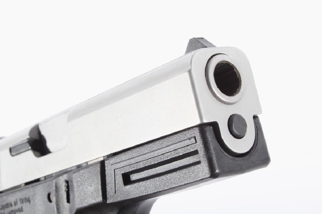 Smith & Wesson SW40VE .40S&W Semi-Auto Pistol - 16