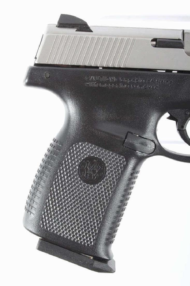 Smith & Wesson SW40VE .40S&W Semi-Auto Pistol - 3
