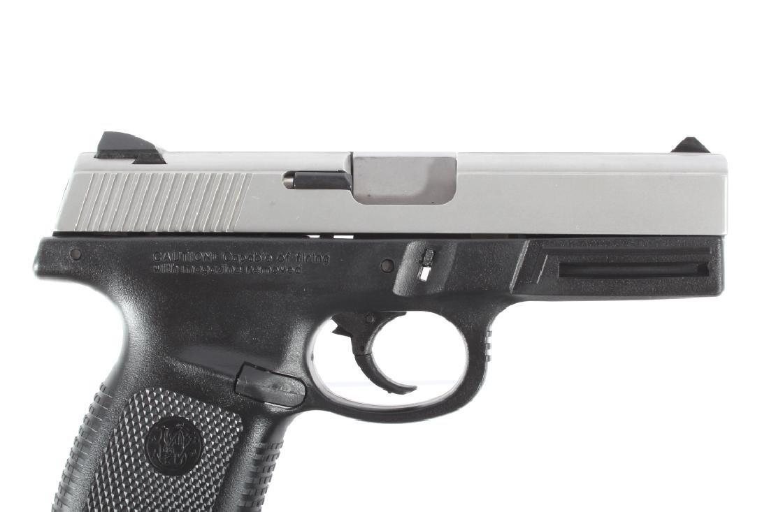 Smith & Wesson SW40VE .40S&W Semi-Auto Pistol - 4