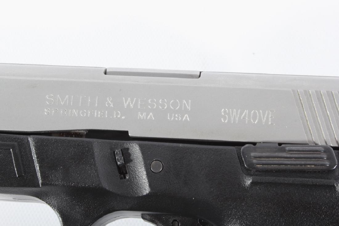 Smith & Wesson SW40VE .40S&W Semi-Auto Pistol - 9