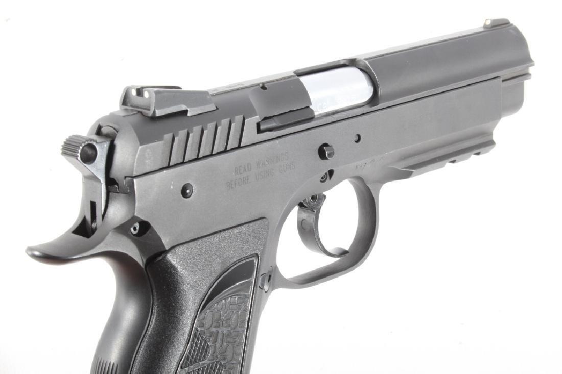 Tanfoglio EAA Witness 9mm/.22 LR Pistol w/Case - 11