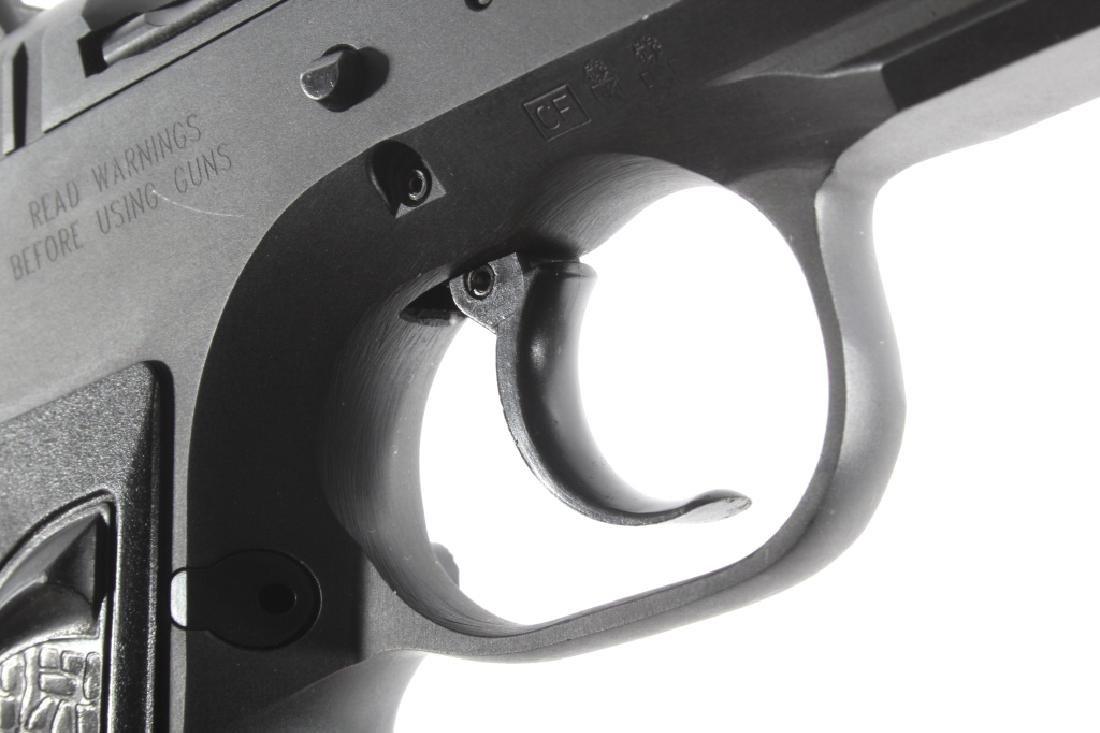 Tanfoglio EAA Witness 9mm/.22 LR Pistol w/Case - 17