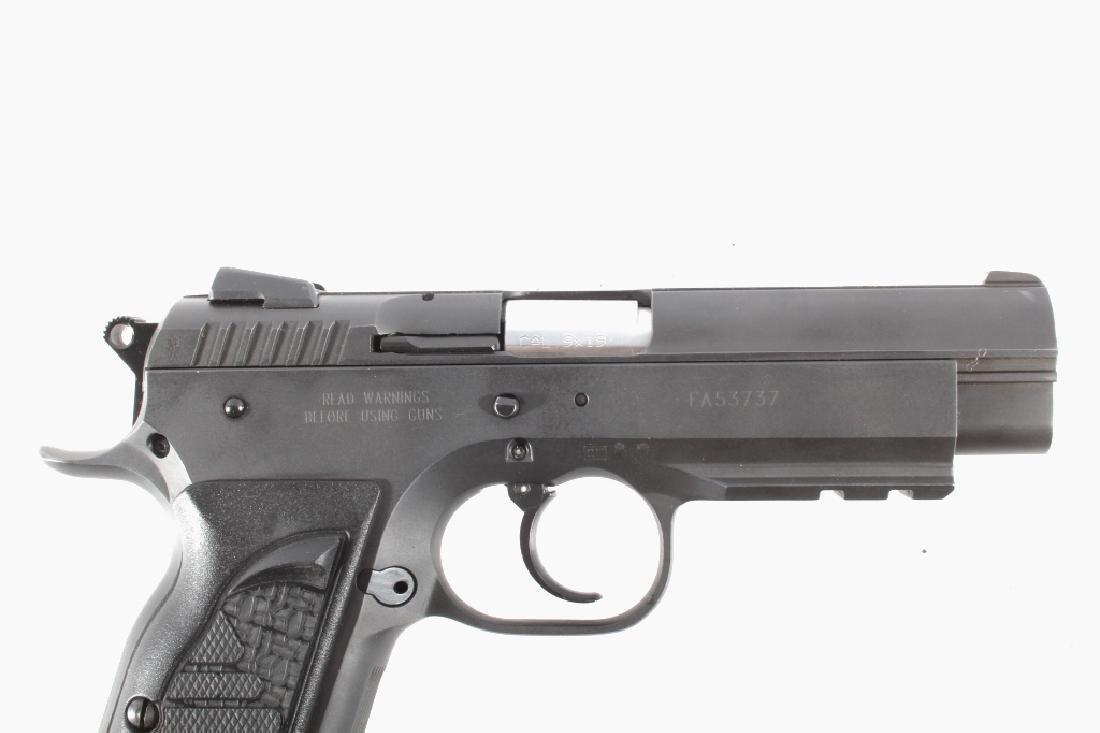 Tanfoglio EAA Witness 9mm/.22 LR Pistol w/Case - 3