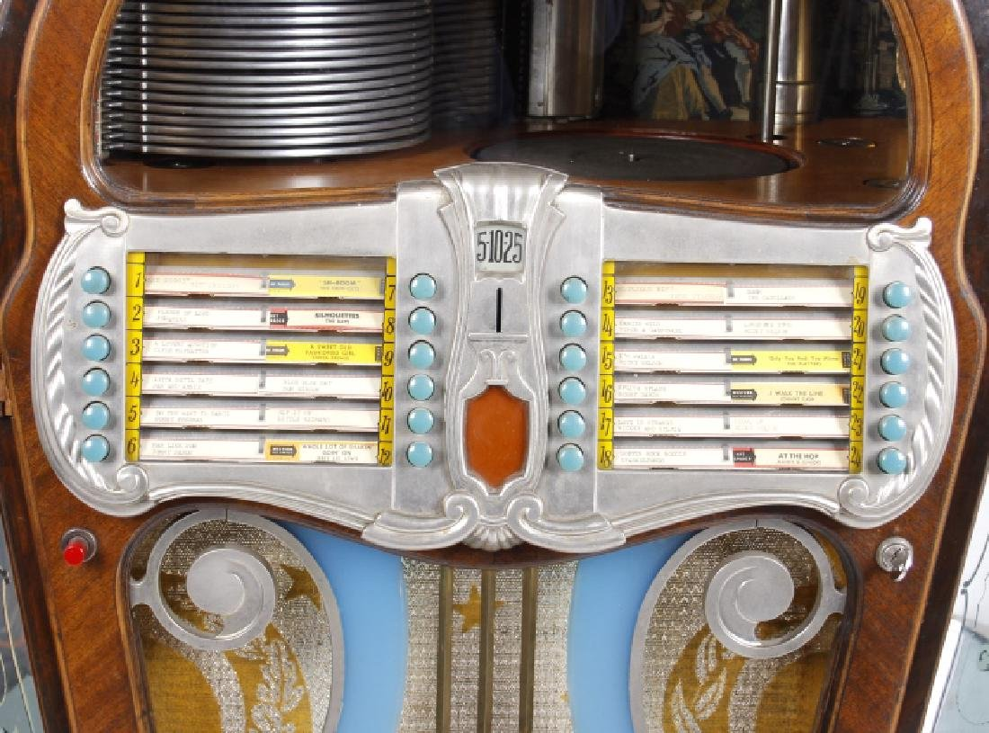 1946 Wurlitzer 1080 Colonial Jukebox - 9