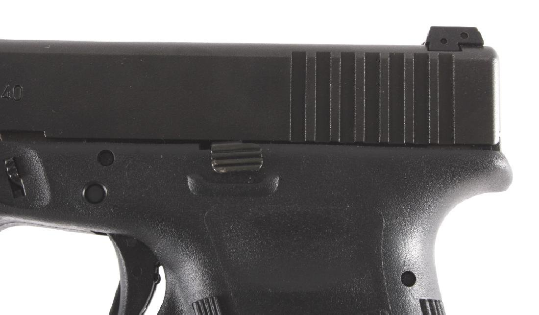 Glock Model 22 .40 Semi-Automatic Pistol - 4