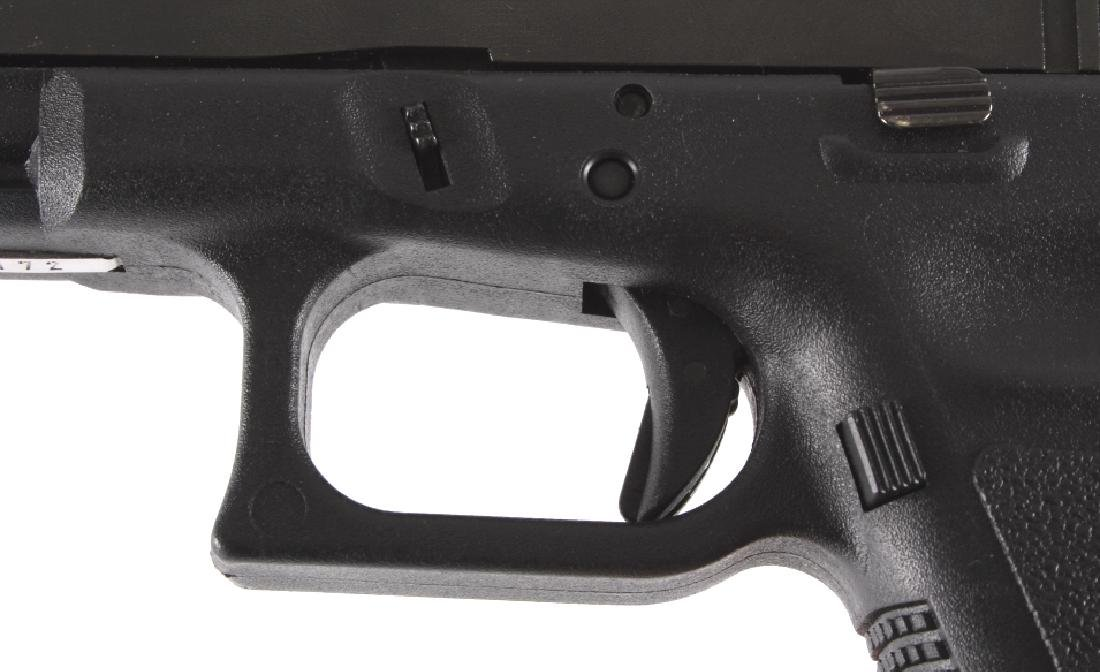 Glock Model 22 .40 Semi-Automatic Pistol - 5