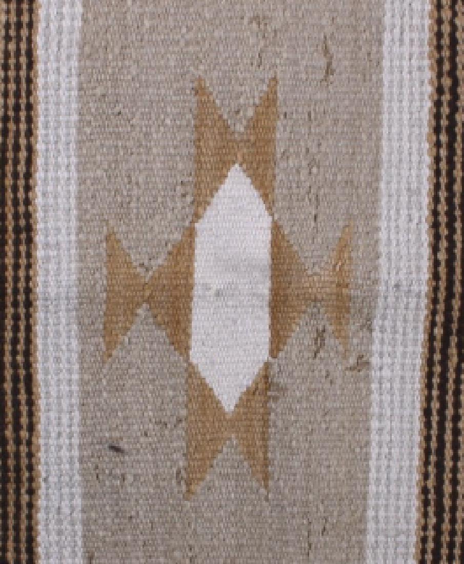 Navajo Chinle Pattern Wool Rug - 4