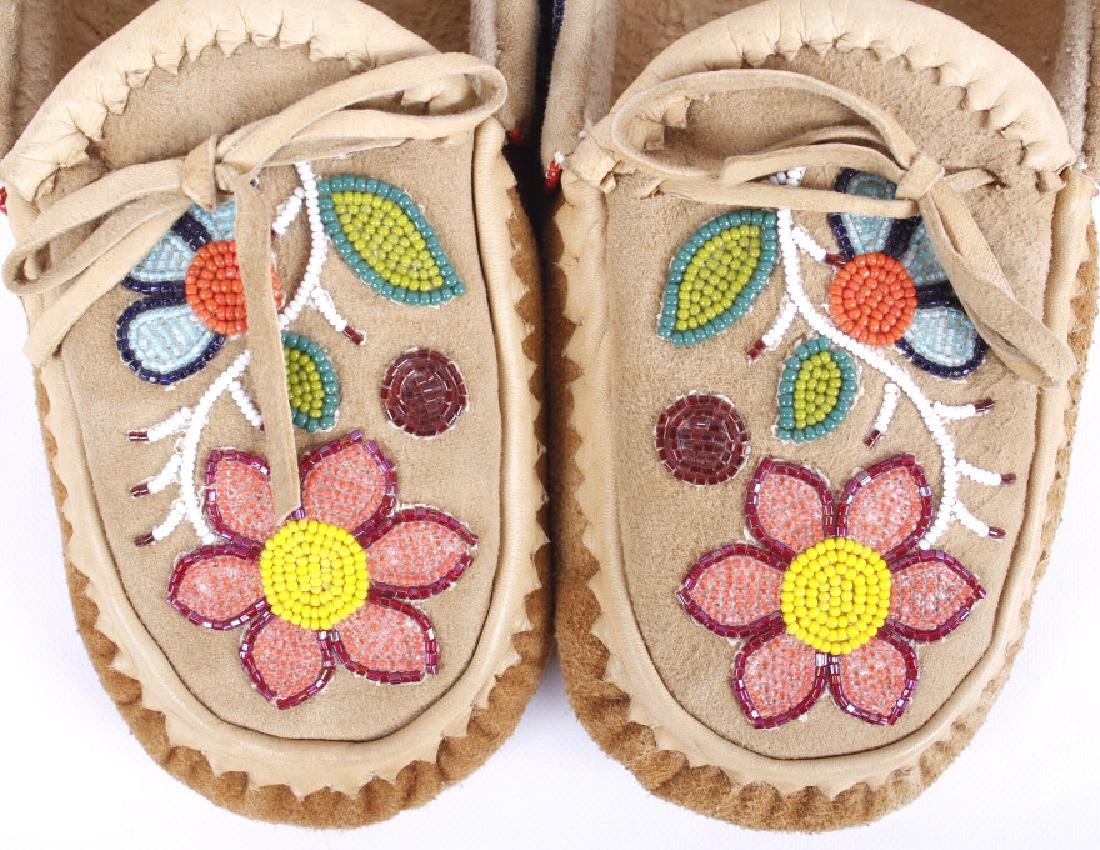 Chippewa Native Floral Beaded Leather Moccasins - 2