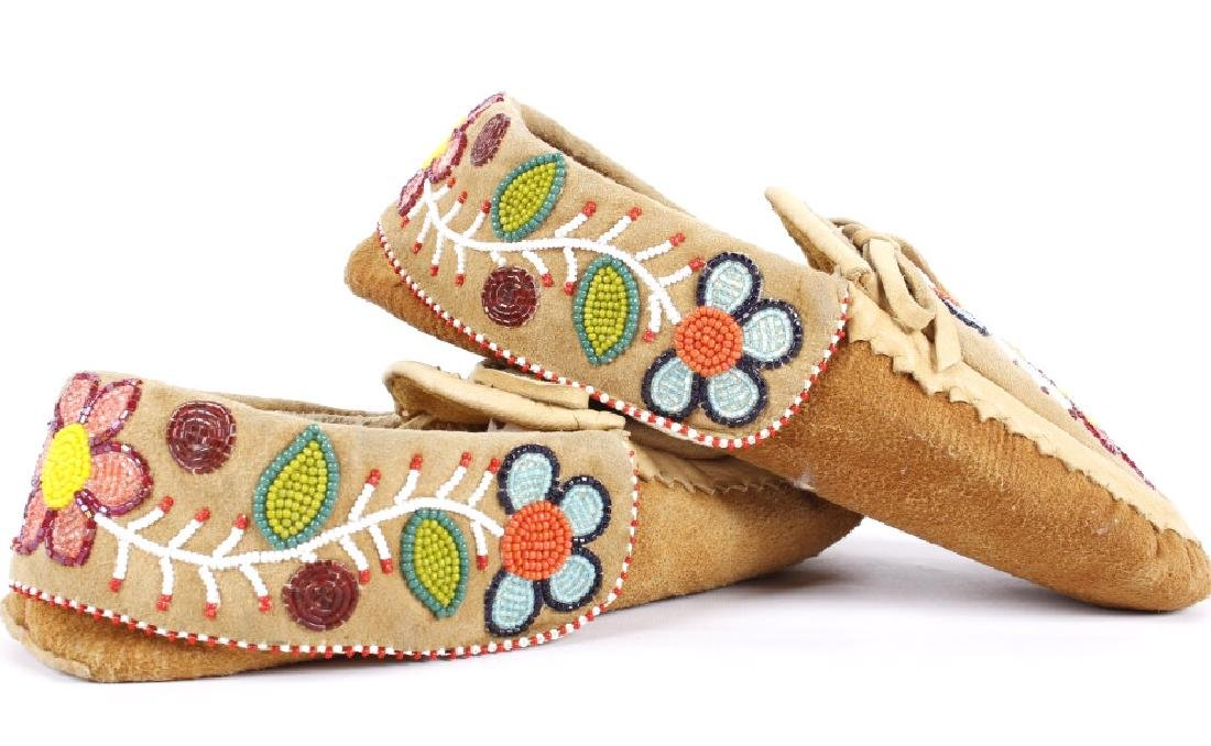 Chippewa Native Floral Beaded Leather Moccasins - 4
