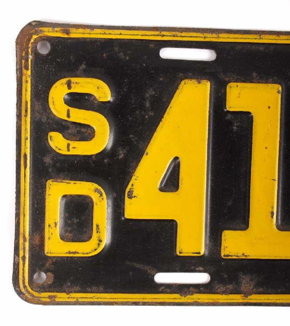 Matching 1932 South Dakota License Plates - 4