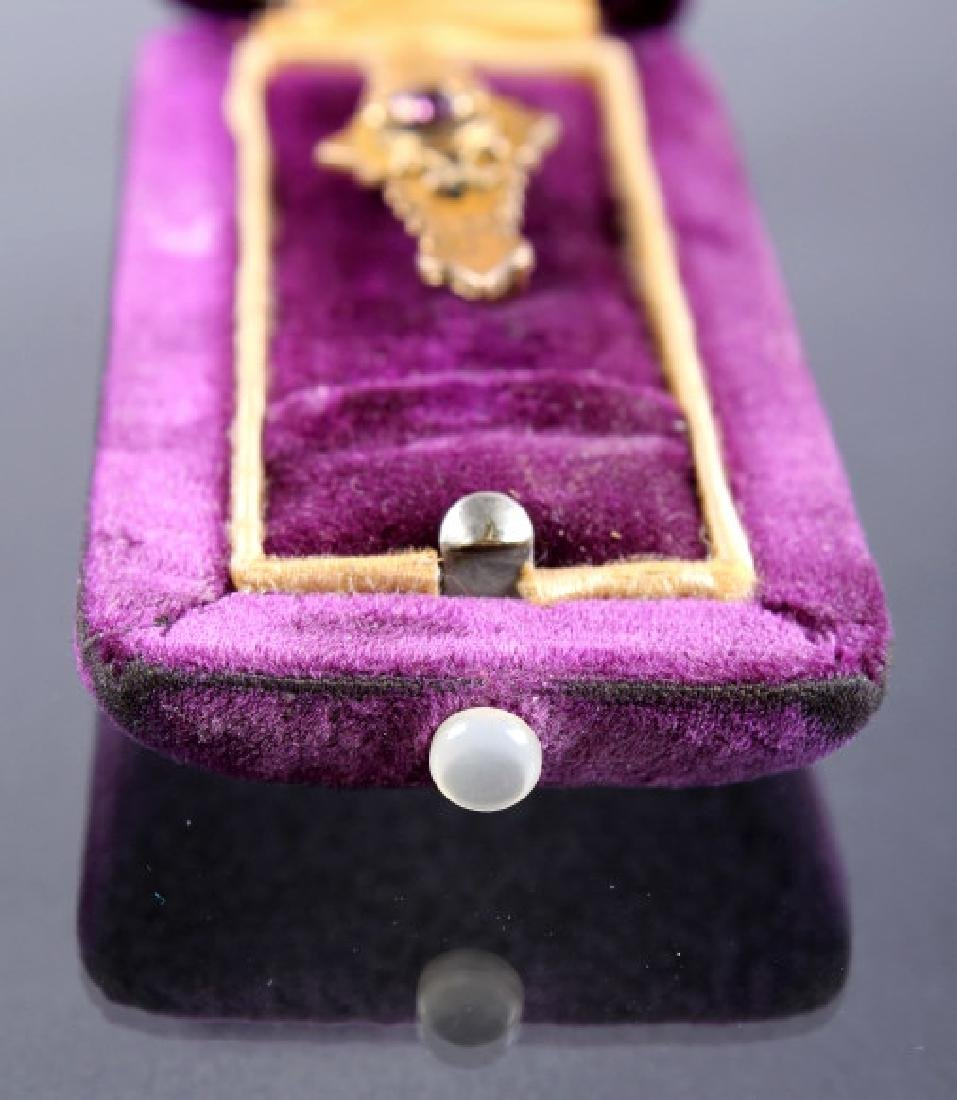 Victorian Gold And Amethyst Bar Pin Brooch - 3