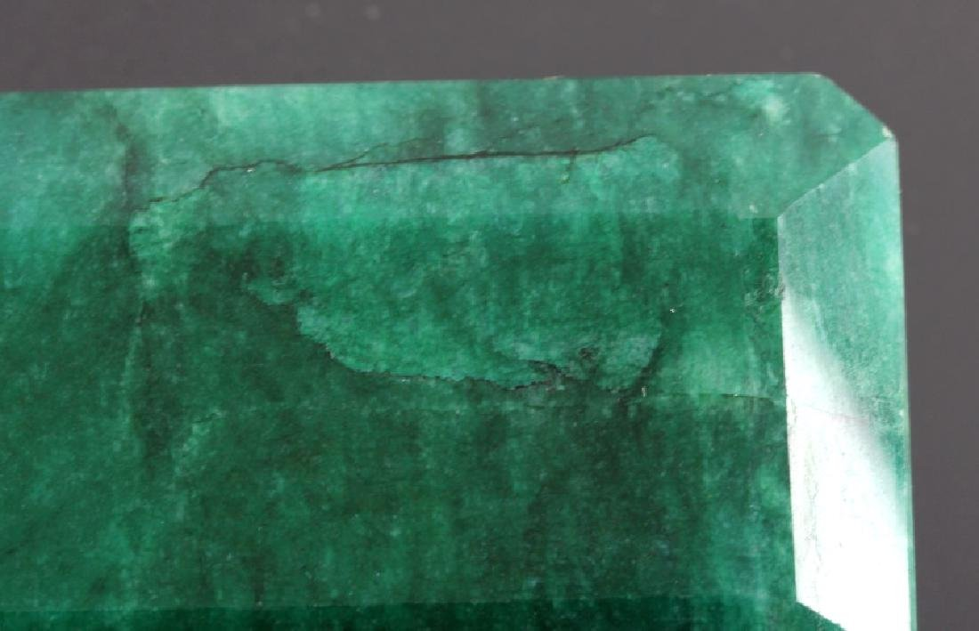 433ct. Faceted Natural Brazilian Emerald Gemstone - 6