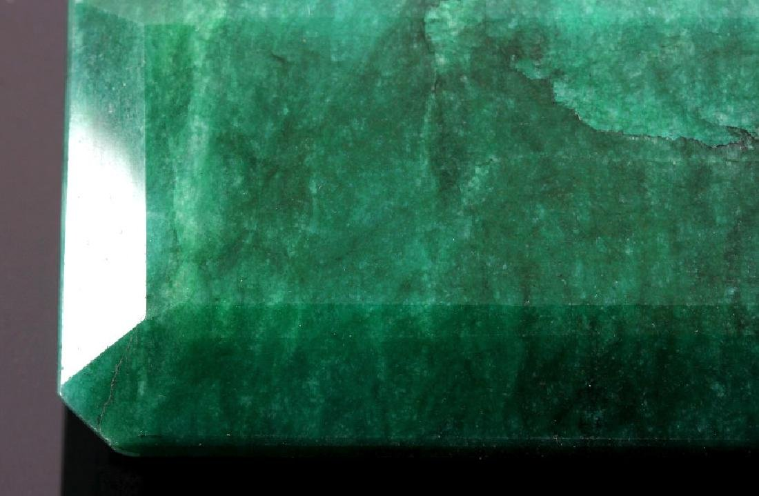 433ct. Faceted Natural Brazilian Emerald Gemstone - 7