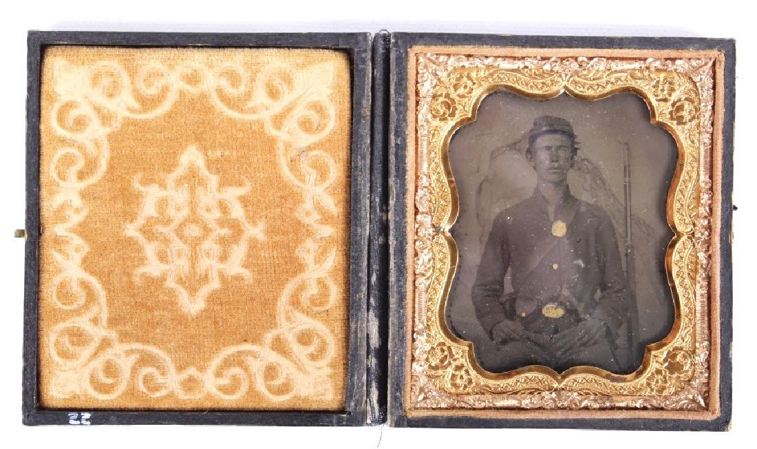 Civil War, Union Soldier Tintype w/ Case c. 1862