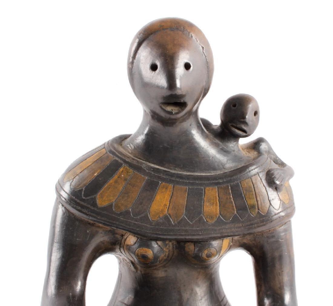 c.1910 Santo Domingo Woman & Child Pottery - 4