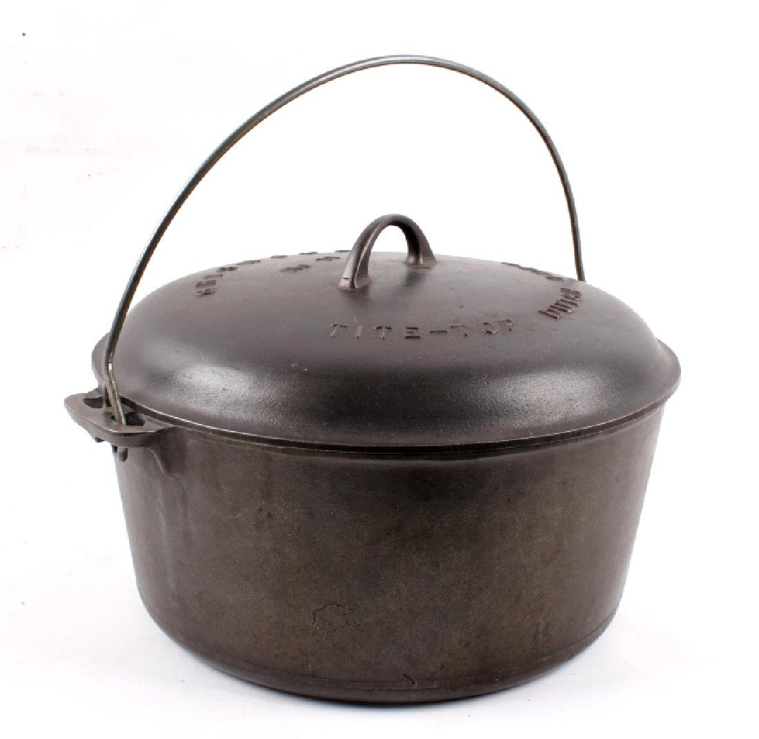 Griswold Cast Iron No. 11 Tite-Top Dutch Oven - 9