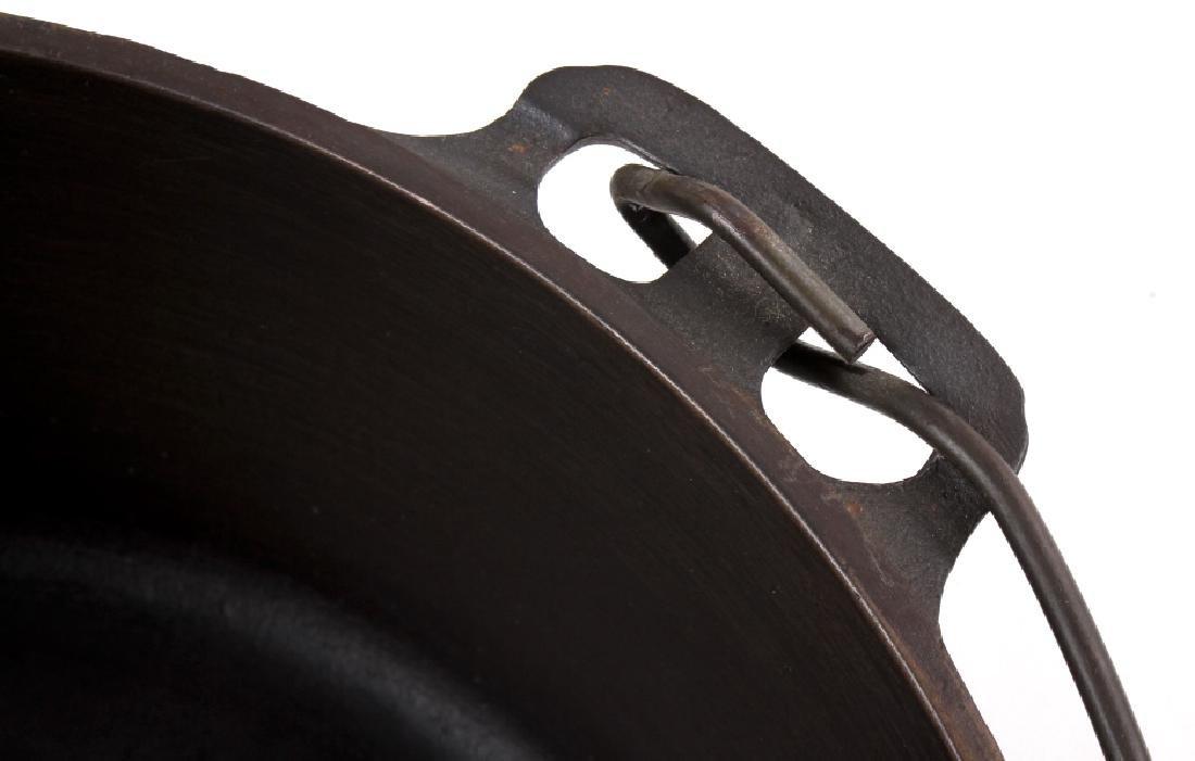 Griswold Cast Iron No. 10 Tite-Top Dutch Oven - 9