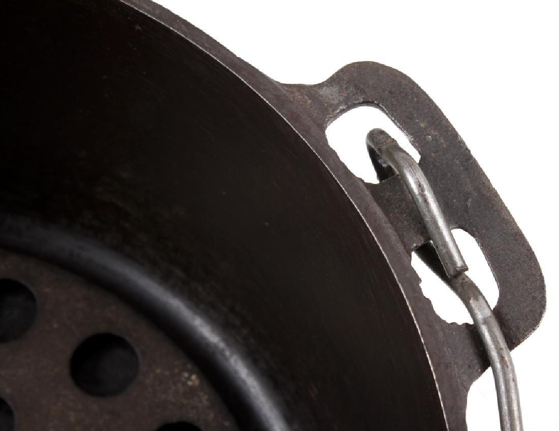 Griswold Cast Iron No. 9 Tite-Top Dutch Oven - 9