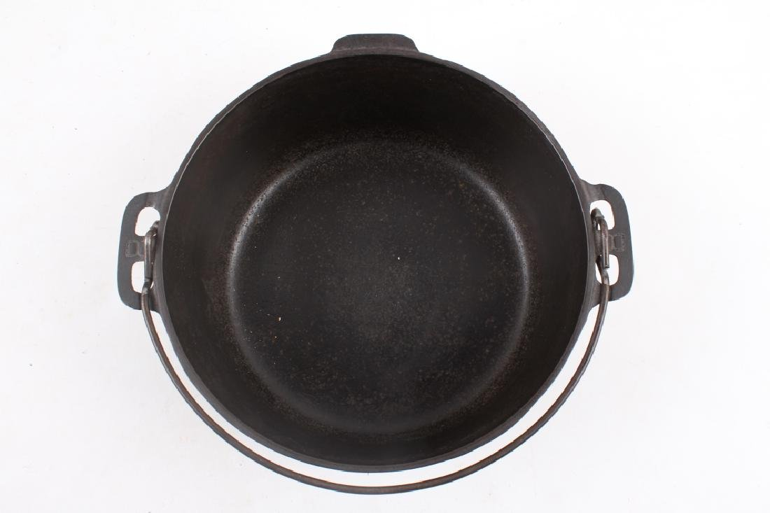 Griswold No. 8 Cast Iron Tite-Top Dutch Oven - 6