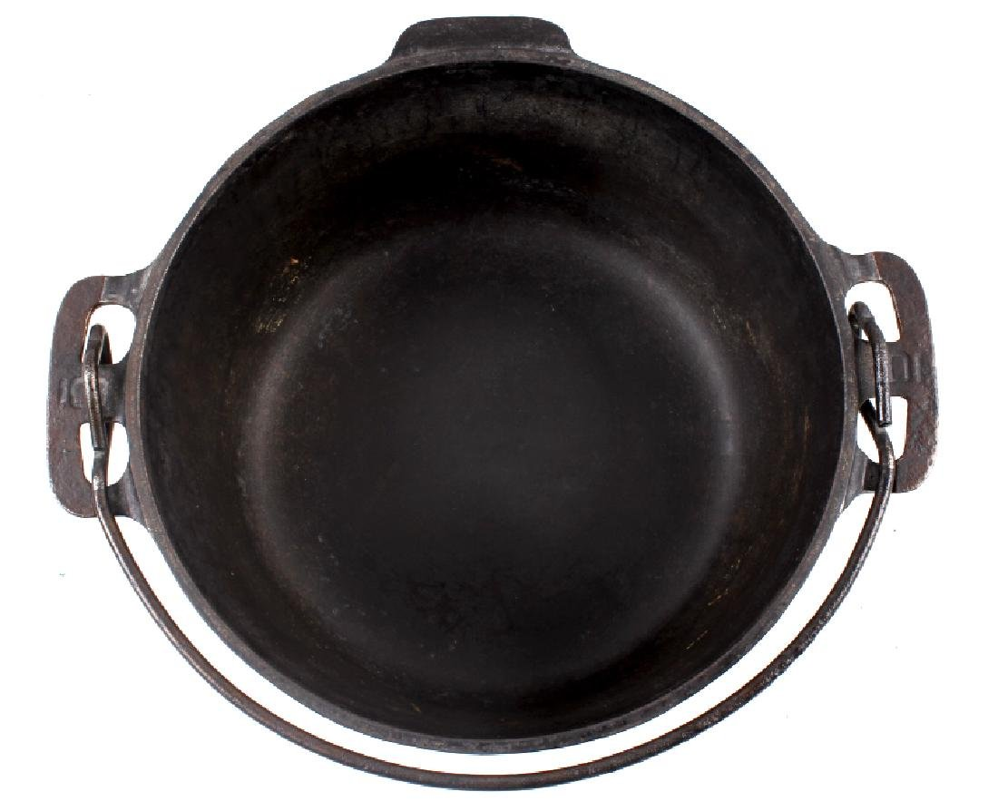 Griswold No. 6 Cast Iron Tite-Top Dutch Oven - 6