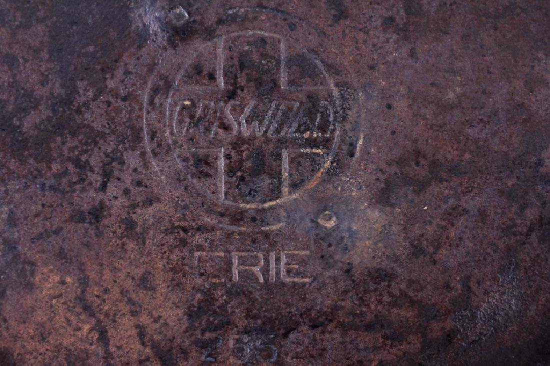 """Early """"Slant Erie"""" Griswold No. 9 Dutch Oven - 3"""