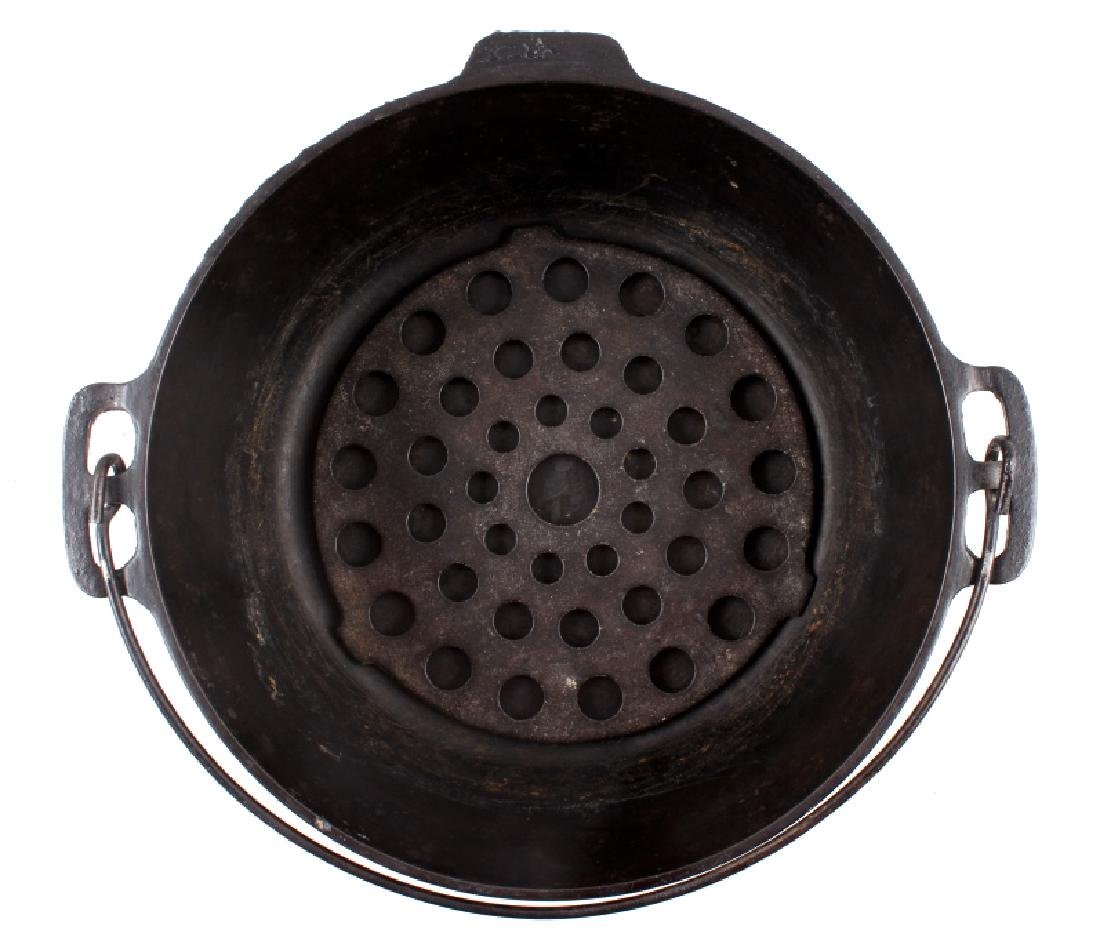 """Early """"Slant Erie"""" Griswold No. 9 Dutch Oven - 5"""
