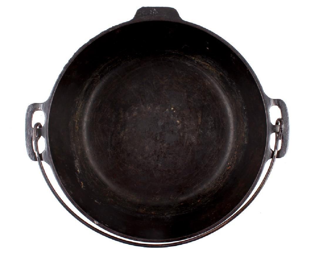 """Early """"Slant Erie"""" Griswold No. 9 Dutch Oven - 7"""