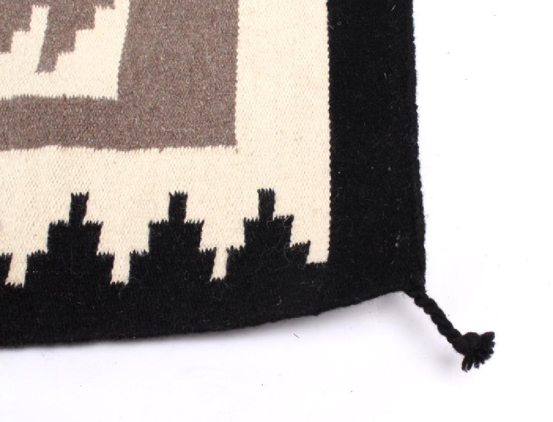 Navajo Native American Klagetoh Pattern Wool Rug - 3