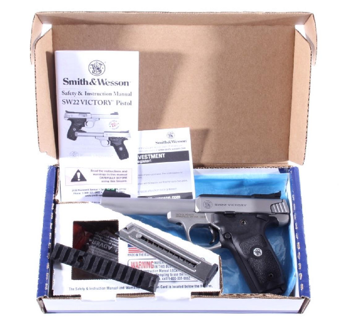 NIB Smith&Wesson SW22 Victory 22LR Target Pistol - 3