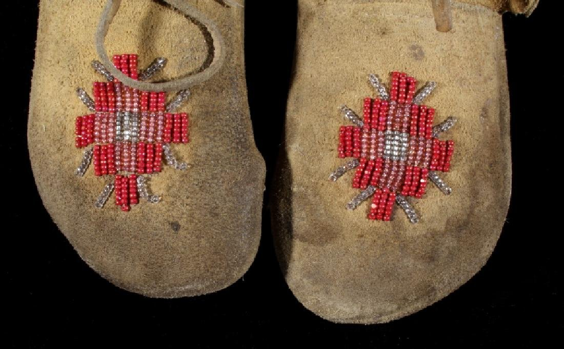 Sioux Native American Beaded Soft Sole Moccasins - 3