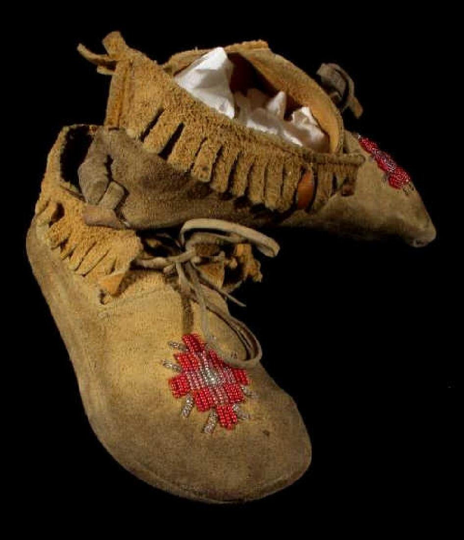 Sioux Native American Beaded Soft Sole Moccasins - 7