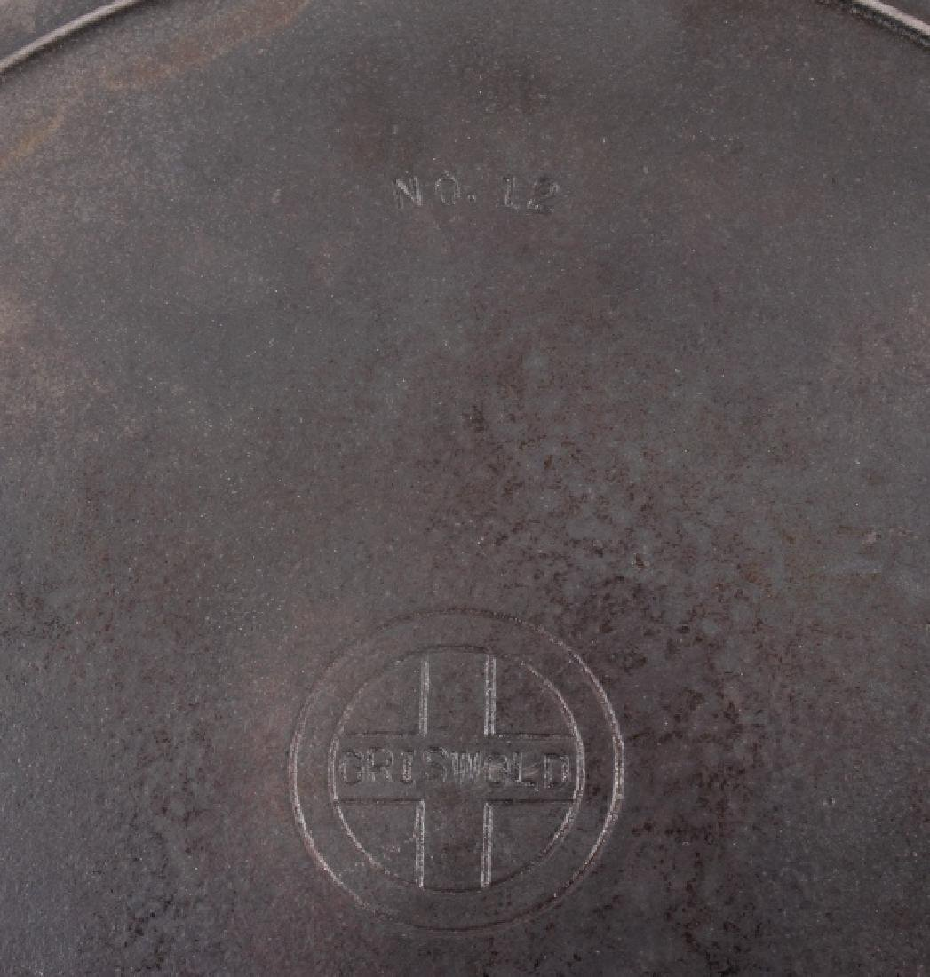 Griswold Number 12 skillet with lid - 10
