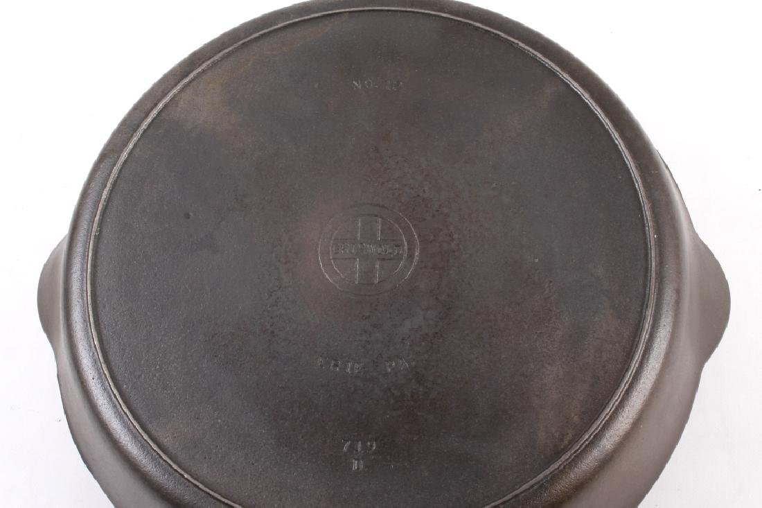 Griswold Number 12 skillet with lid - 5