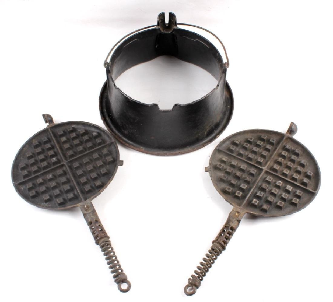 Griswold No 8./No 9. Waffle Makers with Bases - 4