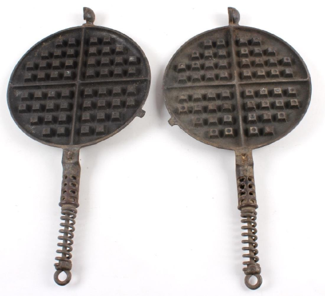 Griswold No 8./No 9. Waffle Makers with Bases - 7