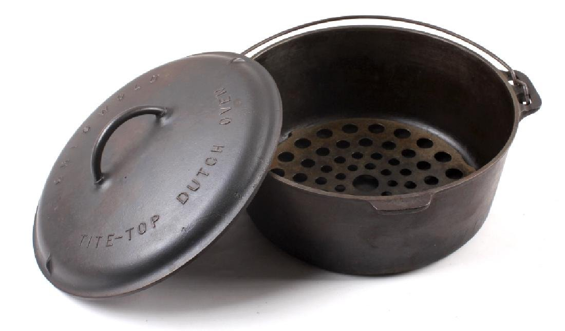 Griswold Number 10 Tite-Top Dutch Oven