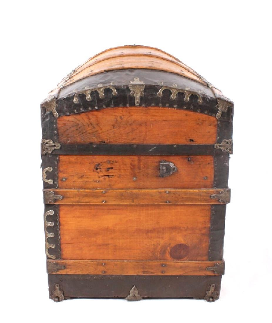 Early Humpback Steamer Trunk 19th Century - 10