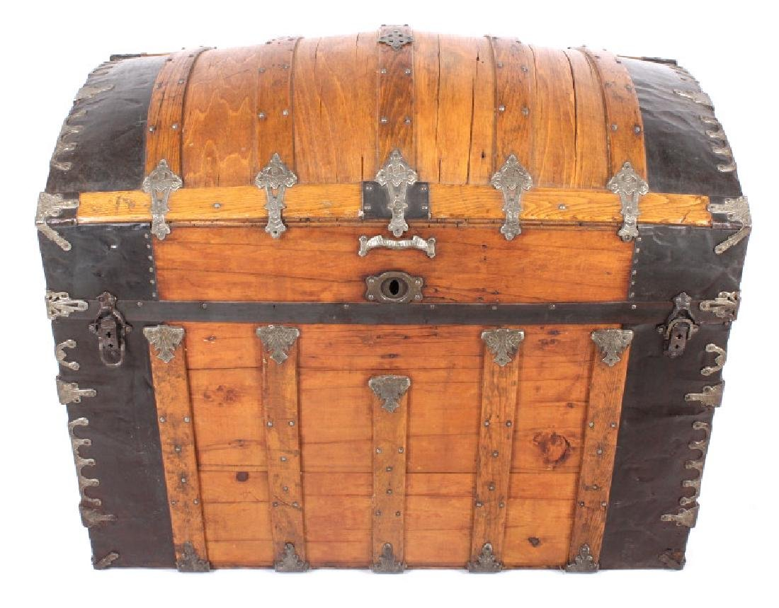 Early Humpback Steamer Trunk 19th Century - 2