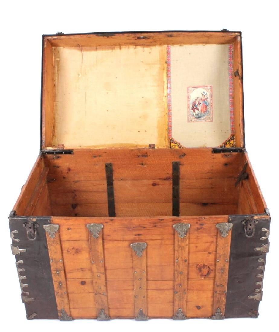 Early Humpback Steamer Trunk 19th Century - 3
